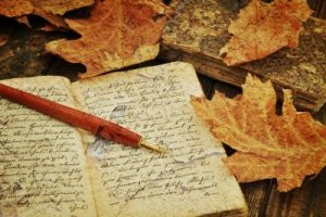 hand-writing-a-letter-is-social-media-awesomeness